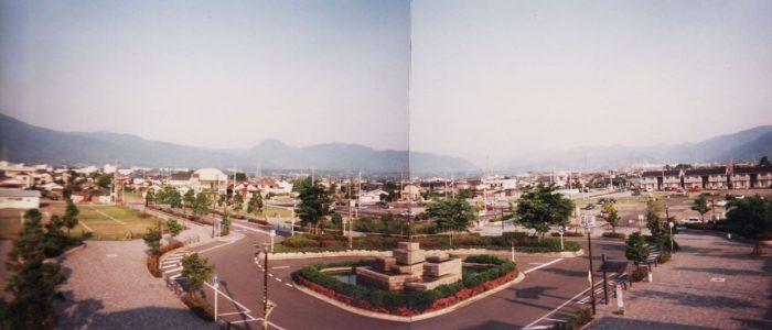 開成駅西口広場(平成11年5月撮影)