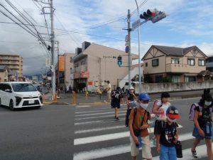 開成駅南側交差点から、駅前方面
